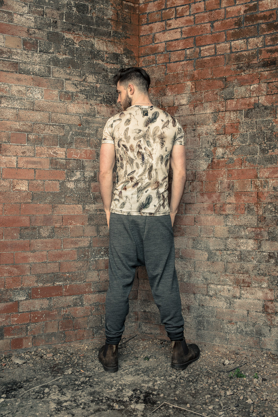 zaramia-ava-zaramiaava-leeds-fashion-designer-ethical-sustainable-tailored-minimalist-fitted-versatile-drape-koji-grey-tshirt-top-hareem-trousers-black-grey-texture-styling-menswear-model-24