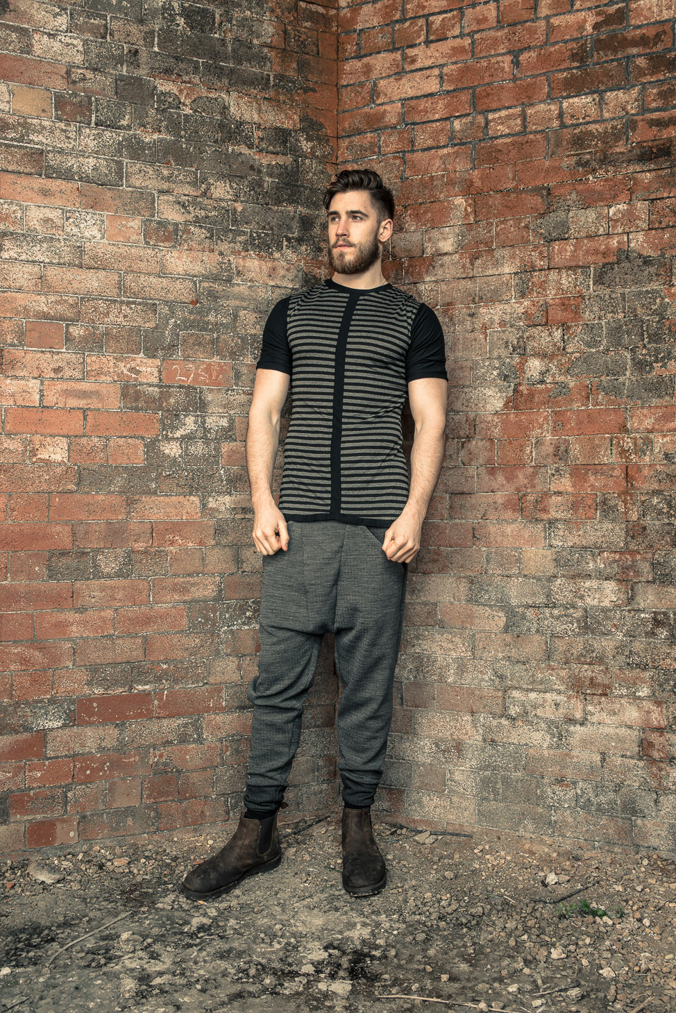 zaramia-ava-zaramiaava-leeds-fashion-designer-ethical-sustainable-tailored-minimalist-fitted-versatile-drape-koji-grey-tshirt-top-hareem-trousers-black-grey-texture-styling-menswear-model-25