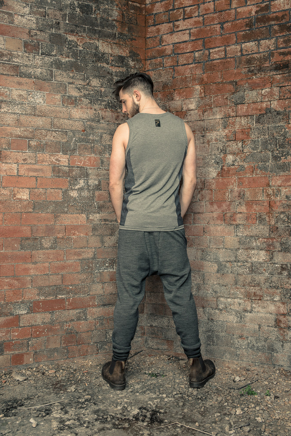 zaramia-ava-zaramiaava-leeds-fashion-designer-ethical-sustainable-tailored-minimalist-stripe-fitted-versatile-drape-grey-tshirt-top-vest-hareem-trousers-black-grey-texture-styling-8