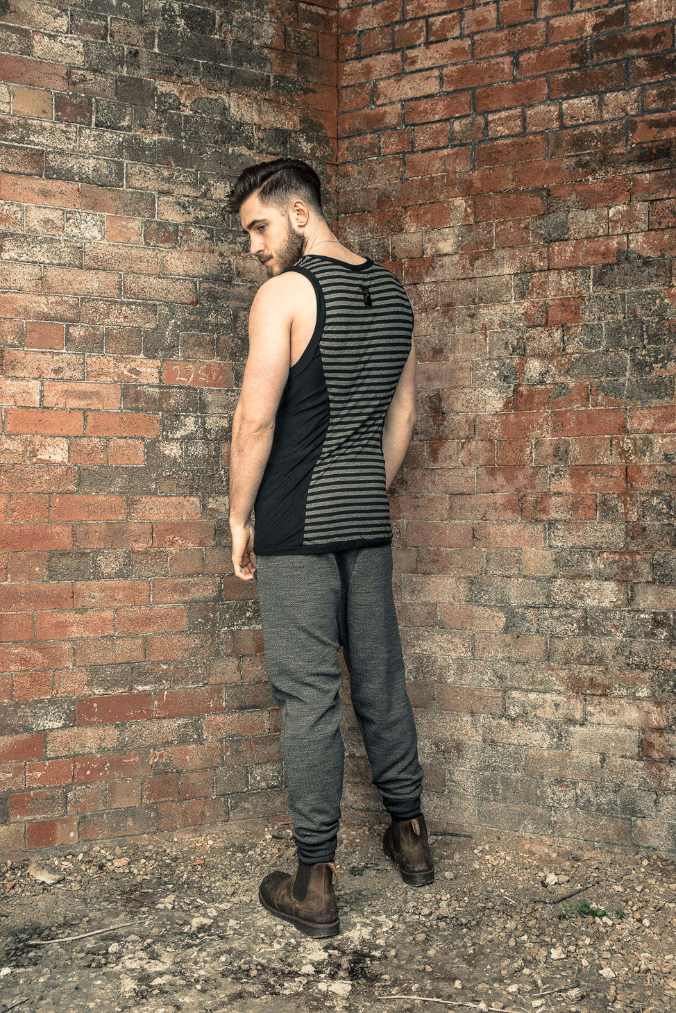 zaramia-ava-zaramiaava-leeds-fashion-designer-ethical-sustainable-tailored-minimalist-stripe-fitted-versatile-drape-grey-tshirt-top-vest-hareem-trousers-black-grey-texture-styling-10