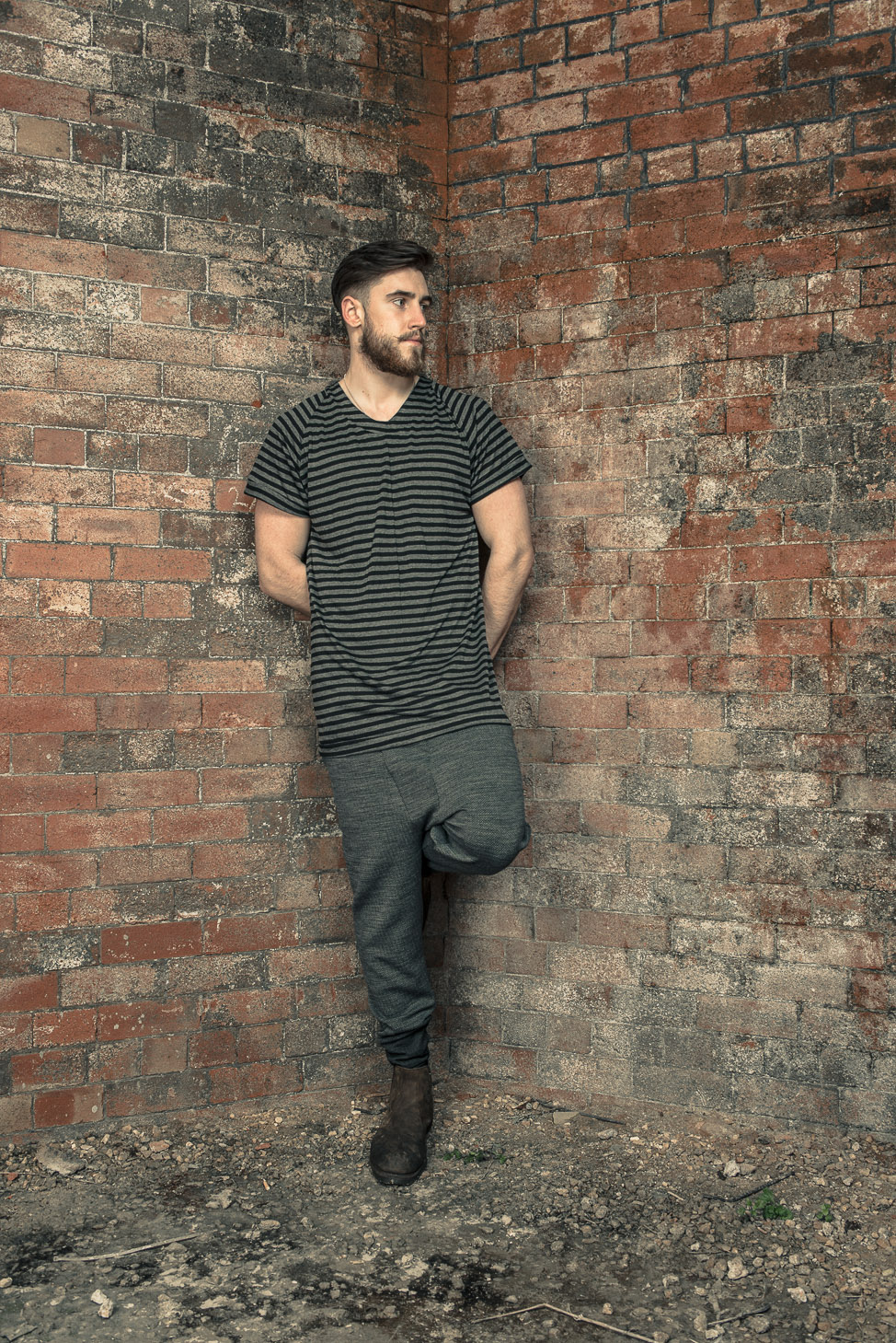 zaramia-ava-zaramiaava-leeds-fashion-designer-ethical-sustainable-tailored-minimalist-stripe-oversized-taichi-raglan-versatile-drape-grey-tshirt-top-vest-hareem-trousers-black-grey-texture-styling-5