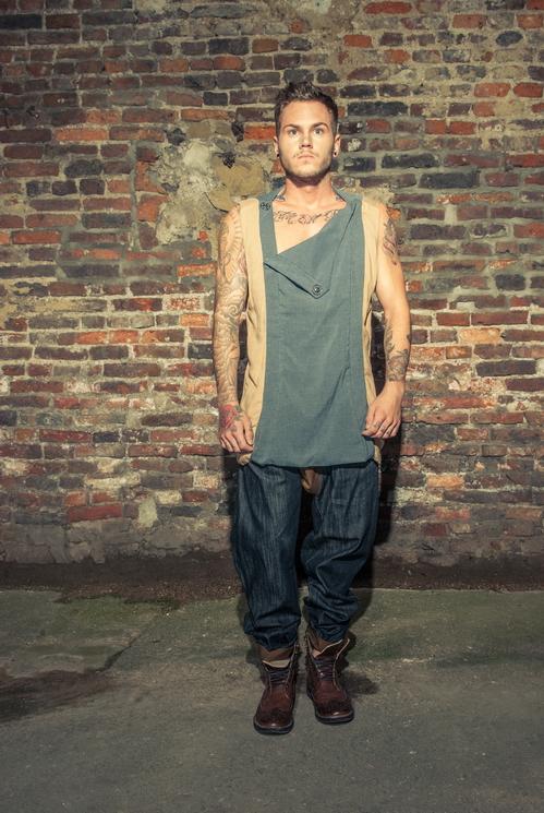 zaramia-ava-zaramiaava-leeds-fashion-designer-ethical-sustainable-tailored-minimalist-versatile-drape-grey-taupe-shirt-hareem-trousers-denim-brown-trousers-styling-menswear-model-photoshoot-16