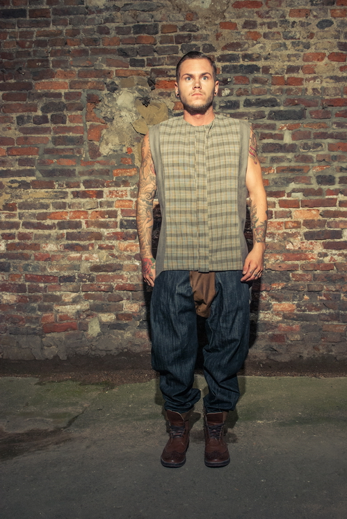 zaramia-ava-zaramiaava-leeds-fashion-designer-ethical-sustainable-tailored-minimalist-versatile-drape-grey-taupe-shirt-hareem-trousers-denim-brown-trousers-styling-menswear-model-photoshoot-20