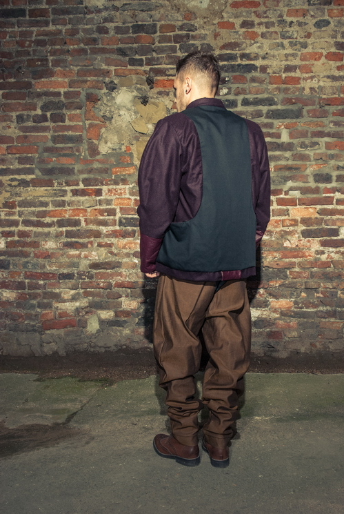 zaramia-ava-zaramiaava-leeds-fashion-designer-ethical-sustainable-tailored-minimalist-versatile-drape-taupe-black-coat-burgundy-shirt-vest-top-denim-trousers-brown-styling-menswear-model-photoshoot-13