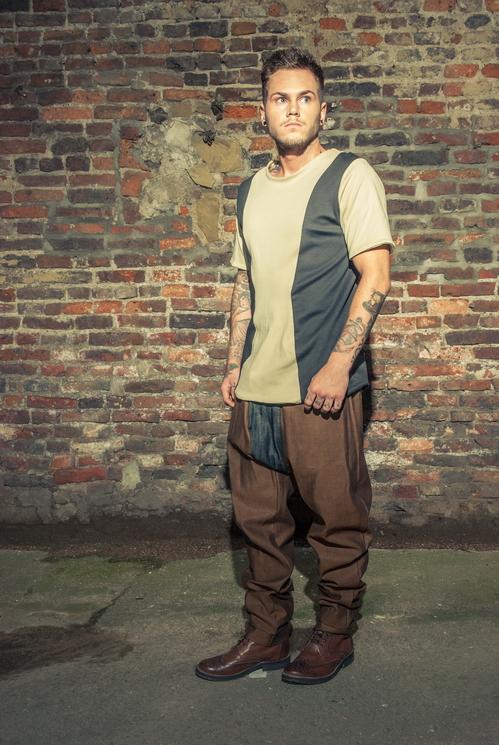 zaramia-ava-zaramiaava-leeds-fashion-designer-ethical-sustainable-tailored-minimalist-versatile-drape-taupe-black-tshirt-top-denim-trousers-brown-styling-menswear-model-photoshoot-1