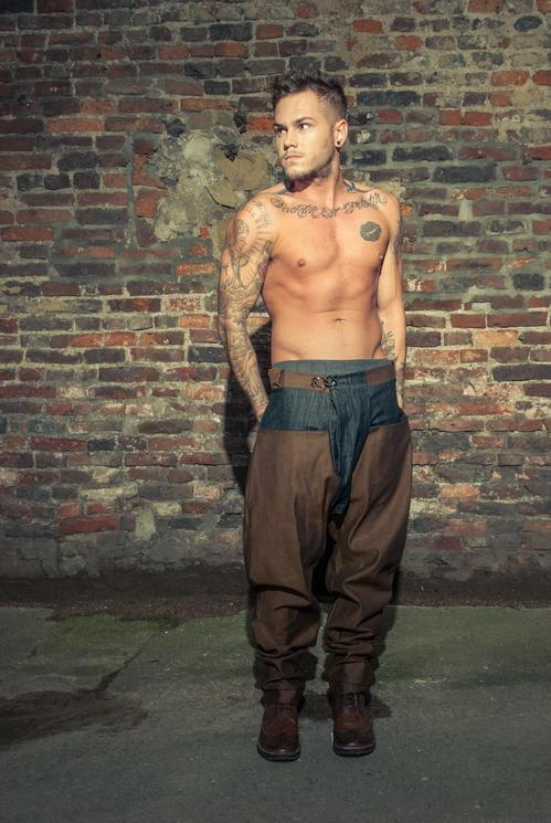 zaramia-ava-zaramiaava-leeds-fashion-designer-ethical-sustainable-tailored-minimalist-versatile-drape-taupe-black-tshirt-top-denim-trousers-brown-styling-menswear-model-photoshoot-2