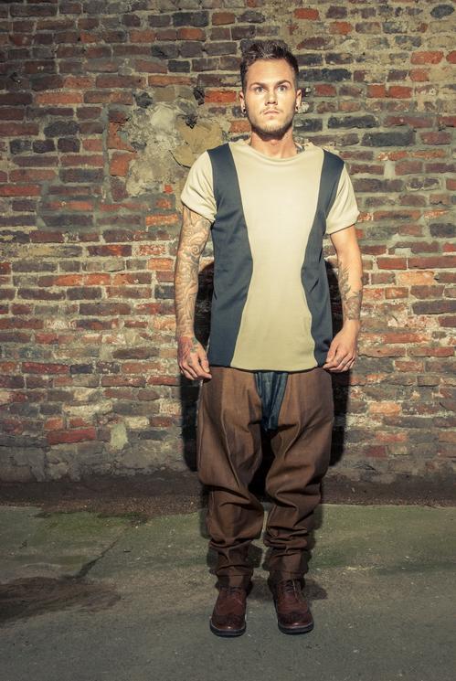zaramia-ava-zaramiaava-leeds-fashion-designer-ethical-sustainable-tailored-minimalist-versatile-drape-taupe-black-tshirt-top-denim-trousers-brown-styling-menswear-model-photoshoot-4