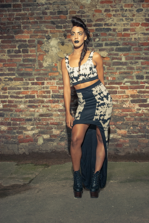 zaramia-ava-zaramiaava-leeds-fashion-designer-ethical-sustainable-tailored-minimalist-versatile-drape-bodysuit-bandeau-skirt-maxi-panels-print-belt-styling-womenswear-model-photoshoot--55