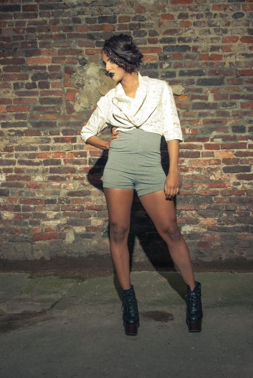 zaramia-ava-zaramiaava-leeds-fashion-designer-ethical-sustainable-tailored-minimalist-versatile-drape-bodysuit-bandeau-skirt-shorts-midi-crop-jacket-panels-print-belt-styling-womenswear-model-62