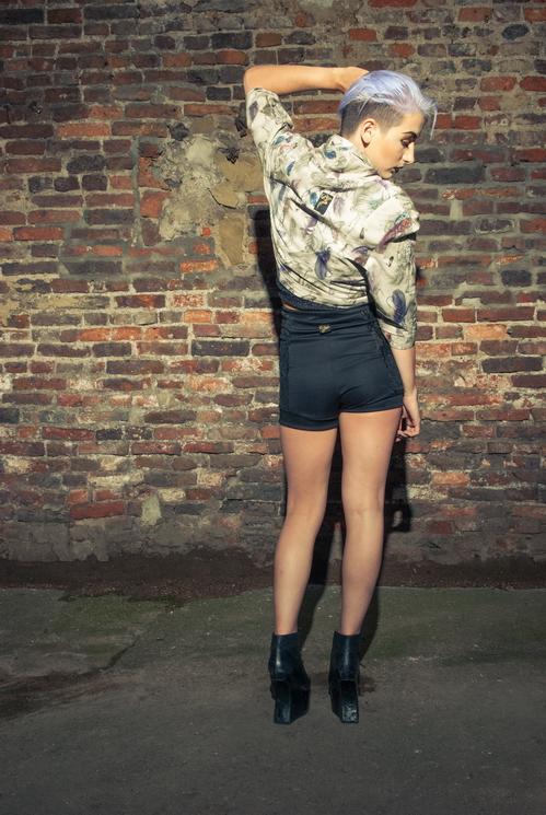 zaramia-ava-zaramiaava-leeds-fashion-designer-ethical-sustainable-tailored-minimalist-versatile-drape-bodysuit-bandeau-skirt-shorts-midi-crop-jacket-panels-print-belt-styling-womenswear-model-65