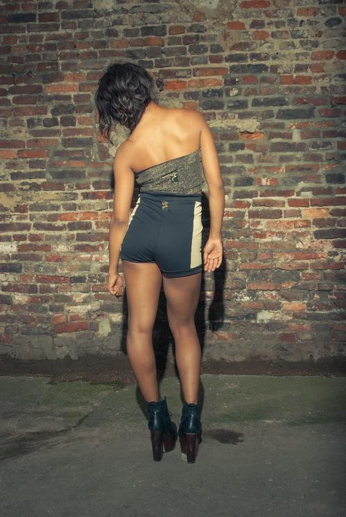 zaramia-ava-zaramiaava-leeds-fashion-designer-ethical-sustainable-tailored-minimalist-versatile-drape-bodysuit-print-bandeau-shorts-panels-black-belt-styling-womenswear-model-photoshoot-36