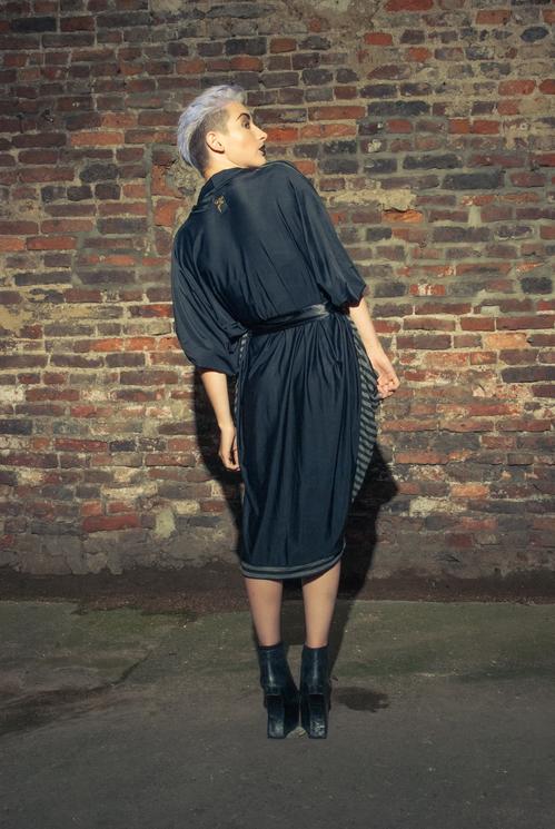 zaramia-ava-zaramiaava-leeds-fashion-designer-ethical-sustainable-tailored-minimalist-versatile-drape-wrap-dress-cowl-bodysuit-aya-midi-panels-print-belt-styling-womenswear-model-photoshoot--80