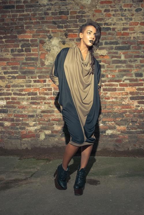 zaramia-ava-zaramiaava-leeds-fashion-designer-ethical-sustainable-tailored-minimalist-versatile-drape-wrap-dress-cowl-bodysuit-aya-midi-panels-print-belt-styling-womenswear-model-photoshoot--87