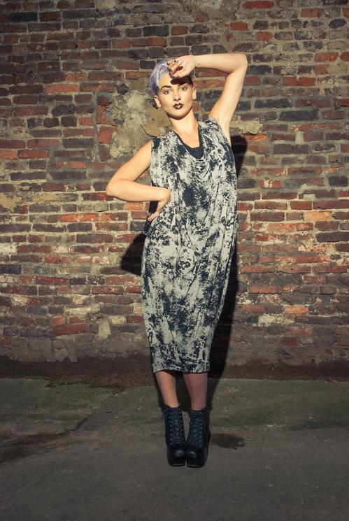 zaramia-ava-zaramiaava-leeds-fashion-designer-ethical-sustainable-tailored-minimalist-versatile-drape-wrap-dress-cowl-bodysuit-aya-midi-panels-print-belt-styling-womenswear-model-photoshoot-89