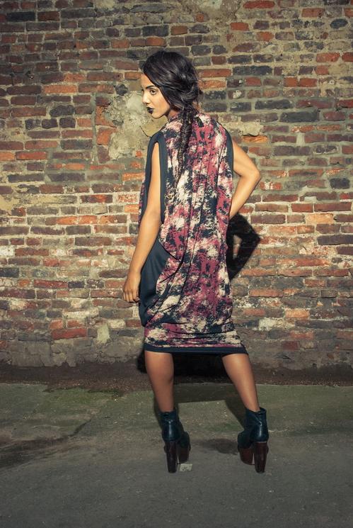 zaramia-ava-zaramiaava-leeds-fashion-designer-ethical-sustainable-tailored-minimalist-versatile-drape-wrap-dress-cowl-bodysuit-aya-midi-panels-print-belt-styling-womenswear-model-photoshoot--91