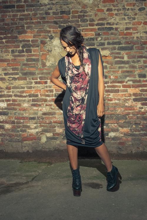 zaramia-ava-zaramiaava-leeds-fashion-designer-ethical-sustainable-tailored-minimalist-versatile-drape-wrap-dress-cowl-bodysuit-aya-midi-panels-print-belt-styling-womenswear-model-photoshoot-93