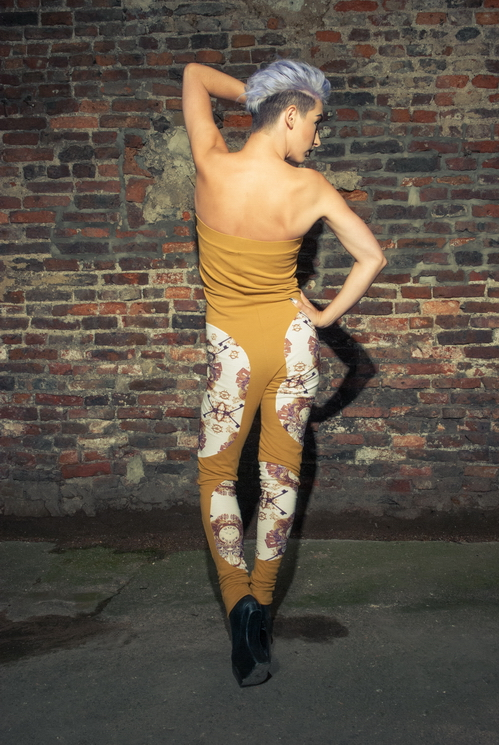 zaramia-ava-zaramiaava-leeds-fashion-designer-ethical-sustainable-tailored-minimalist-versatile-drape-bodysuit-print-jumpsuit-panels-black-gold-belt-styling-womenswear-model-photoshoot--46