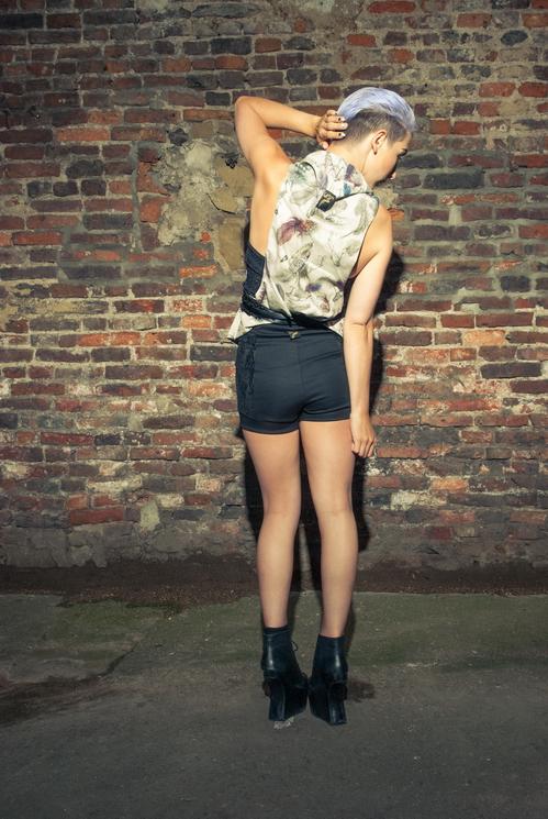 zaramia-ava-zaramiaava-leeds-fashion-designer-ethical-sustainable-tailored-minimalist-versatile-drape-wrap-top-cowl-bodysuit-bandeau-skirt-shorts-midi-crop-jacket-panels-print-belt-styling-71