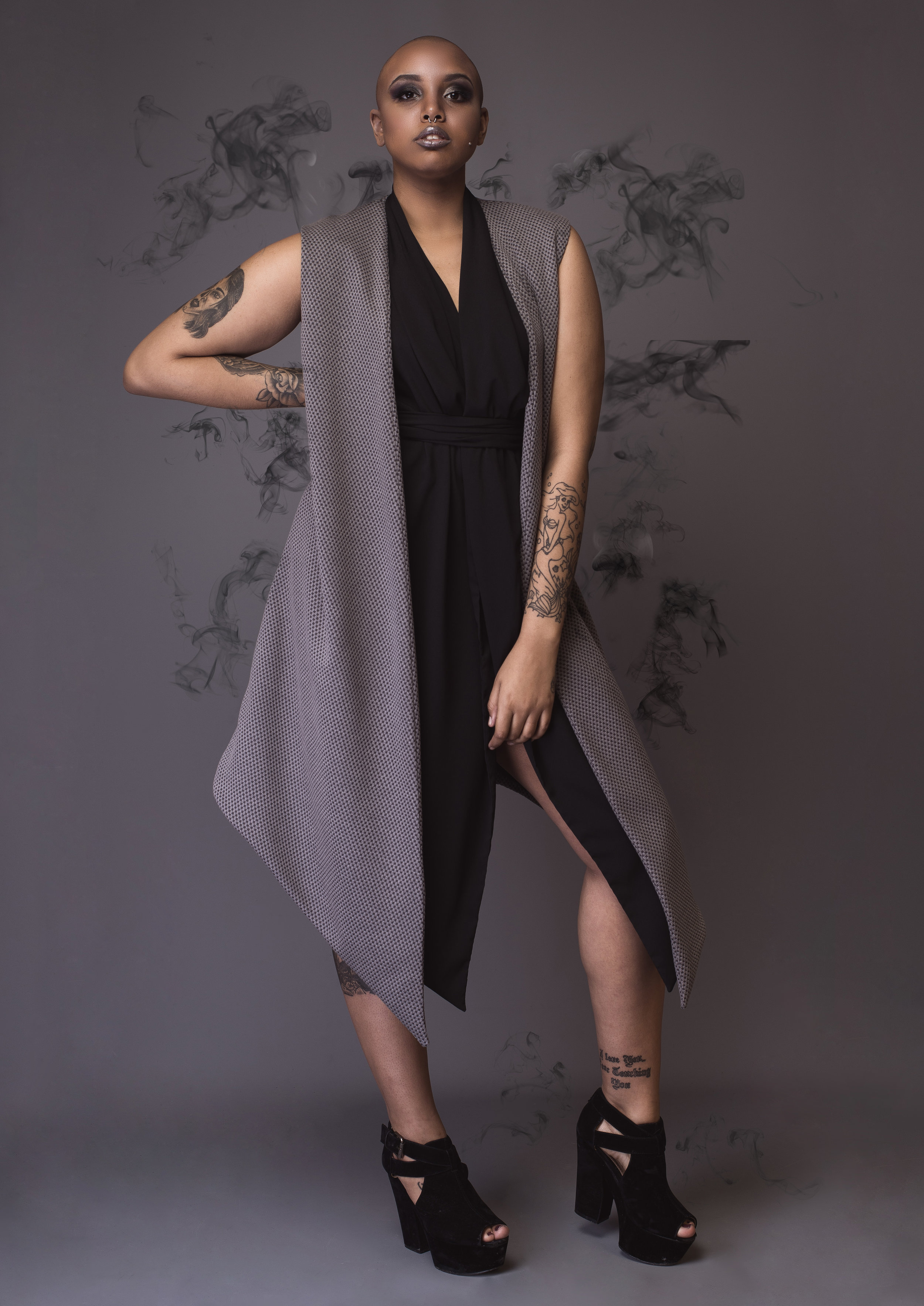 zaramia-ava-zaramiaava-leeds-fashion-designer-leedsfashiondesigner-stylist-leeds-stylist-leedsstylist-ethical-sustainable-minimalist-versatile-drape-wrap-grey-cowl-emi-noa--2