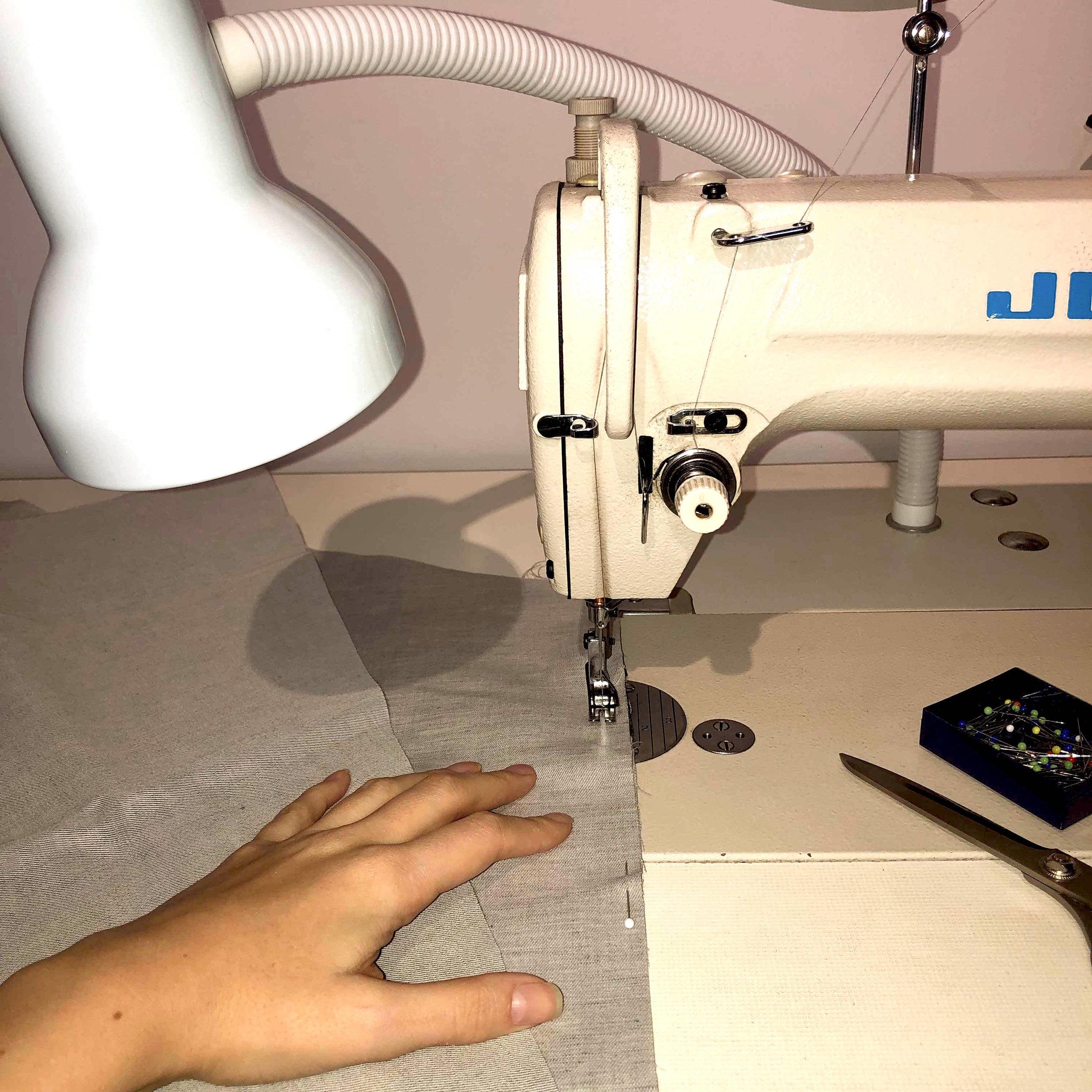 8_Industrial_Sewing_Machine.jpg