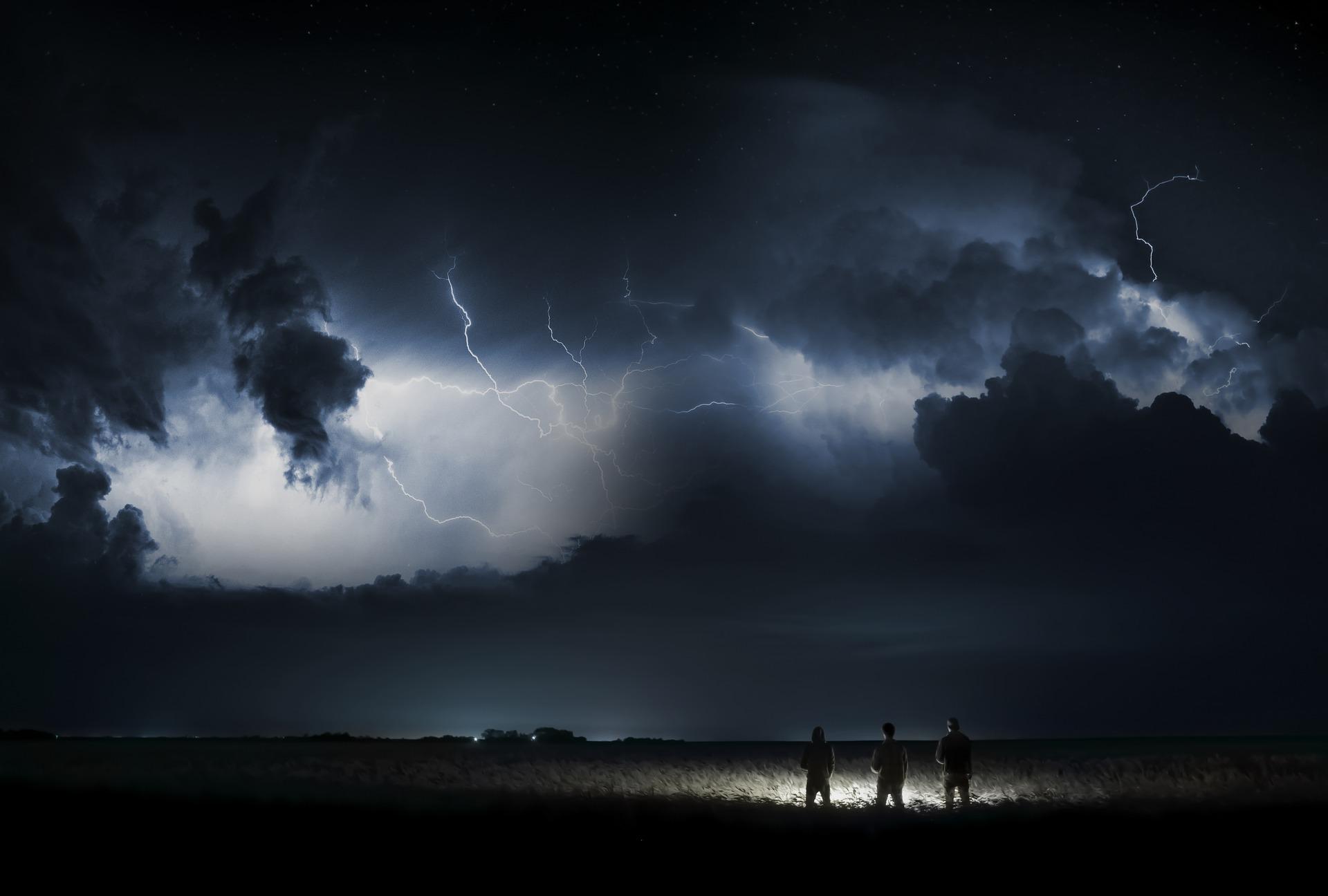 storm-3041241_1920 copy.jpg