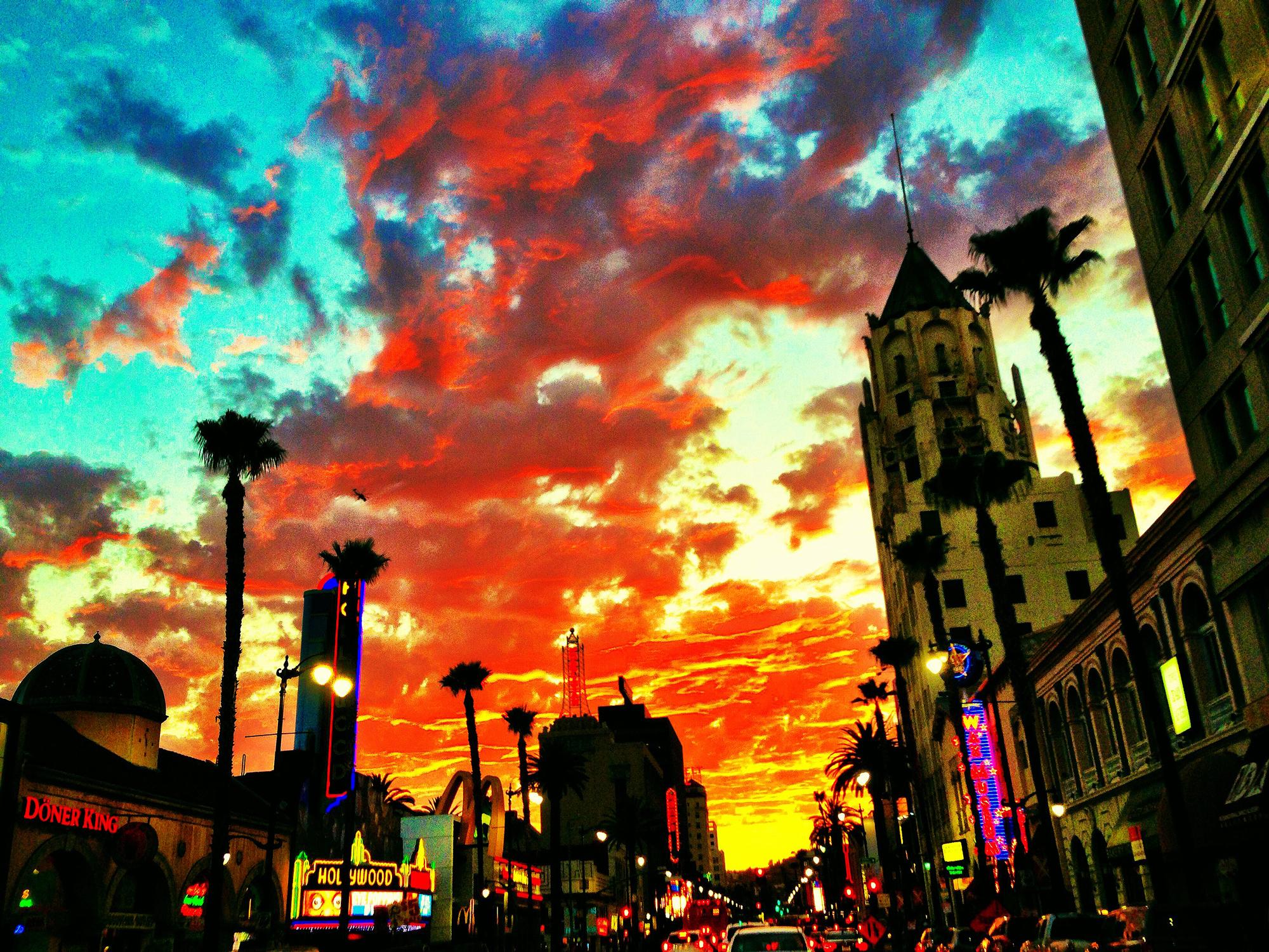 hollywood_boulevard_dusk.jpg
