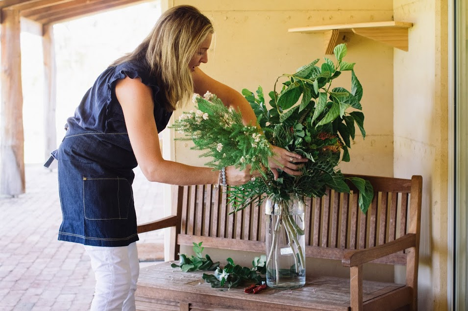 Teresa from  Chaff City working her hiddenfloral magic