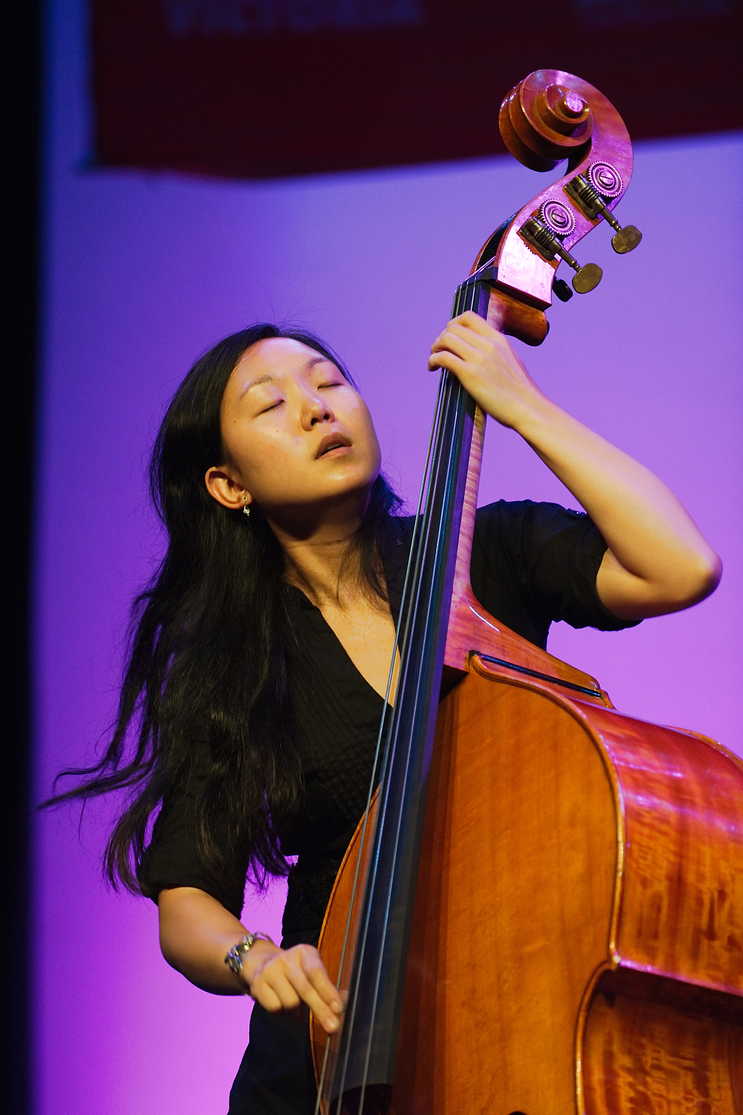 2017 UW Honors Jazz Band guest bassist Linda Oh