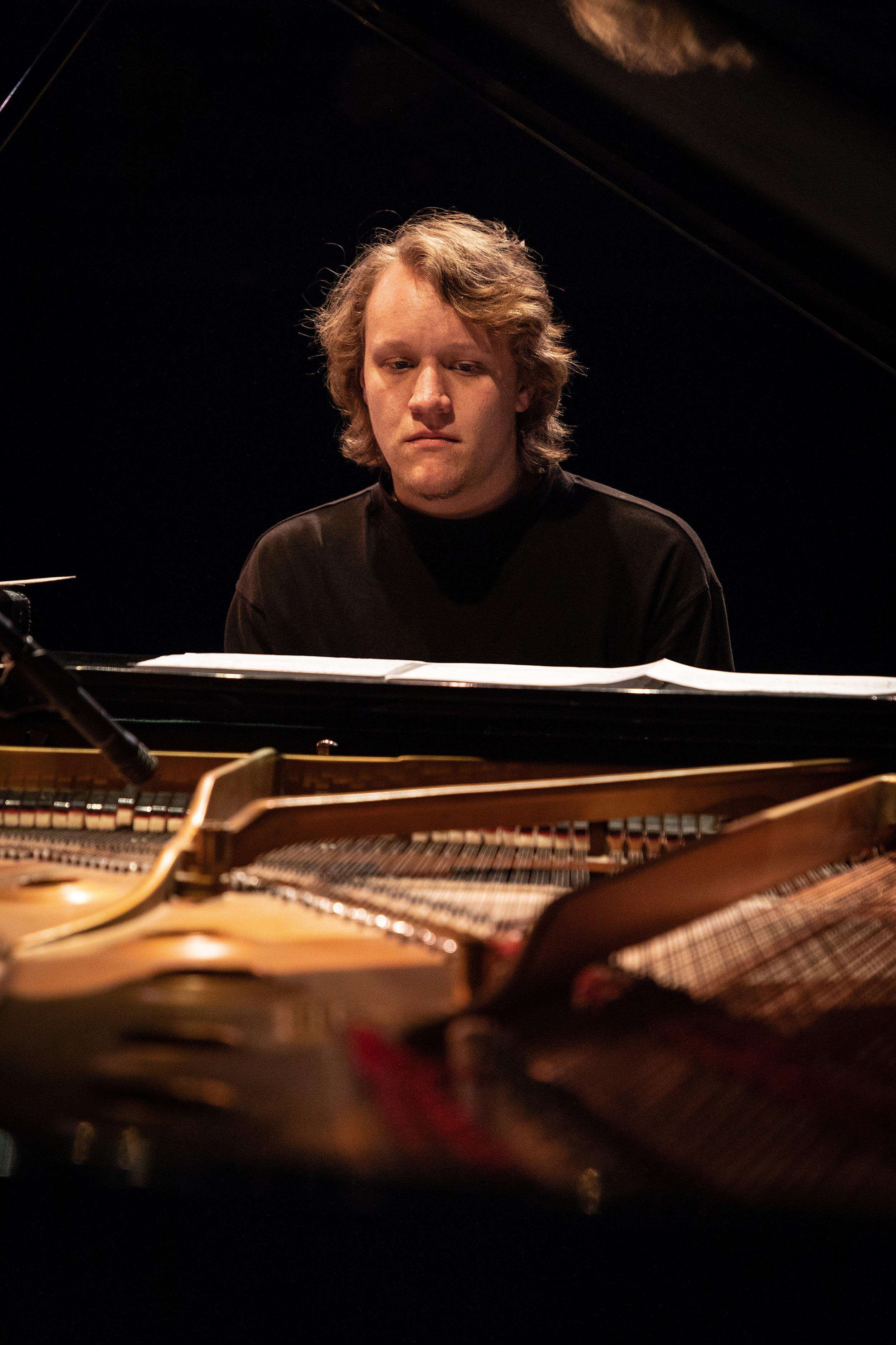 uwmusic-jazzhonorsband-042718-9375a.jpg