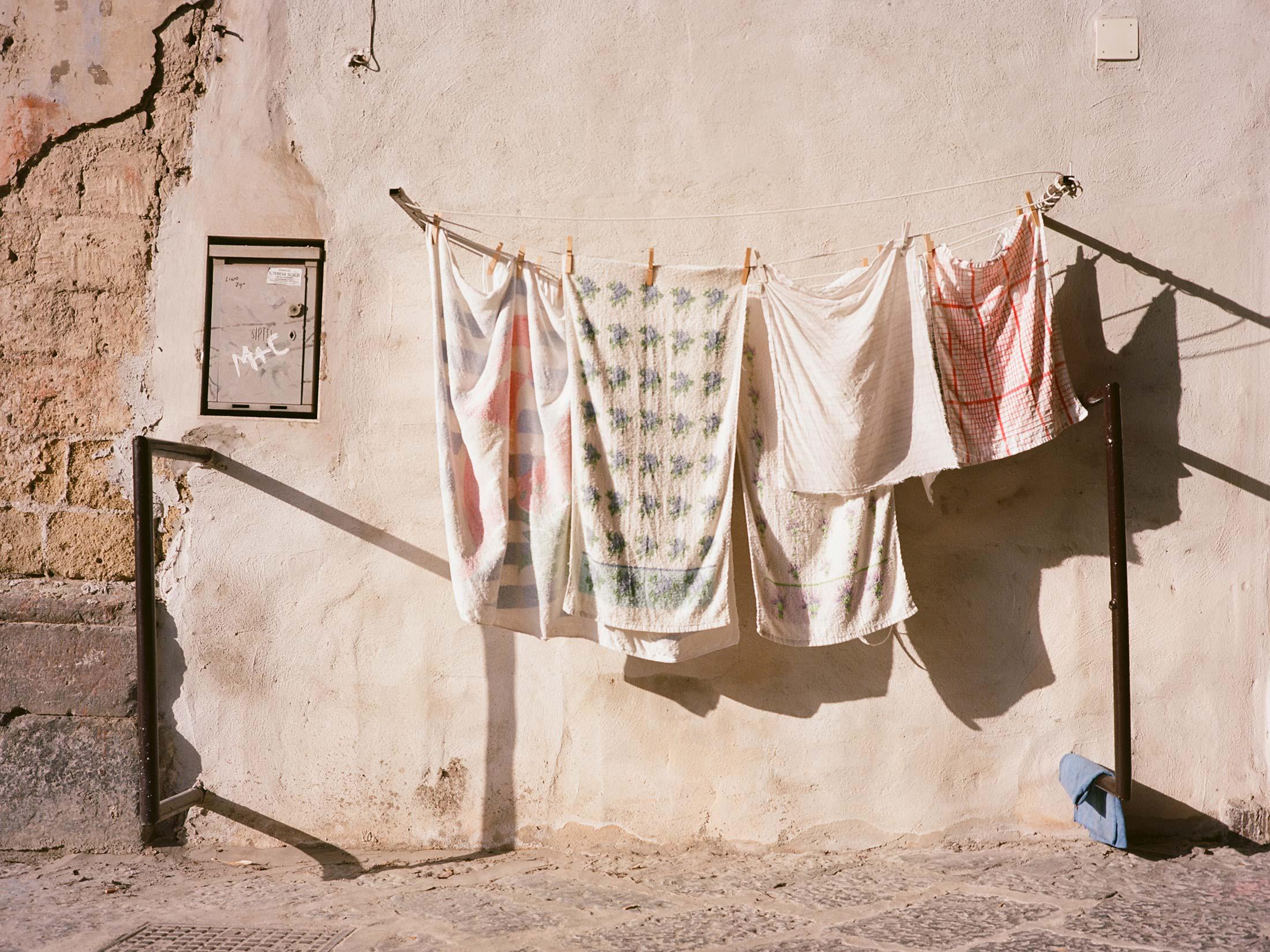 Naples_Laundry_01.jpg