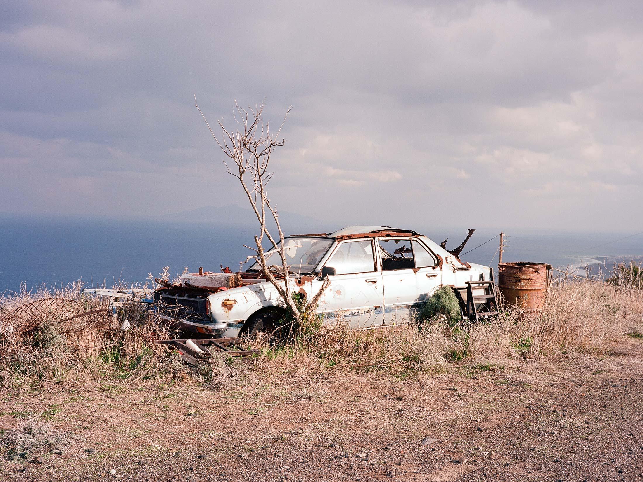 Santorini_Auto_Memorial_02.jpg