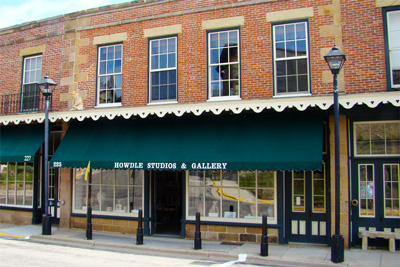 The Globe Clay Center at Howdle Studios - 225 Commerce Street(608) 987-3590theglobeclaycenter.comFacebookInstagram