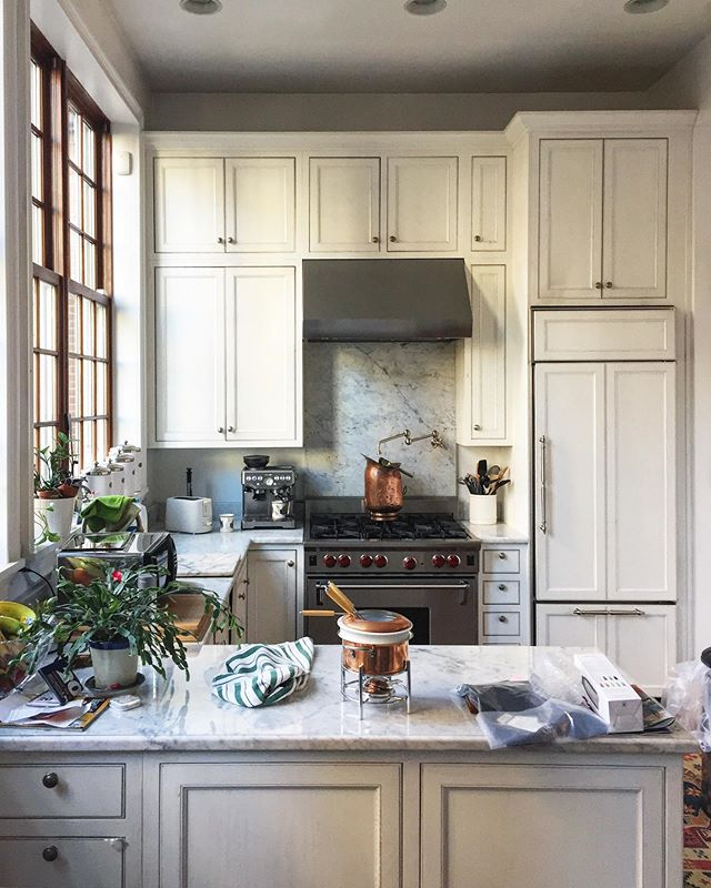 Dream Kitchens of NYC. #morninglight #dirtydishes