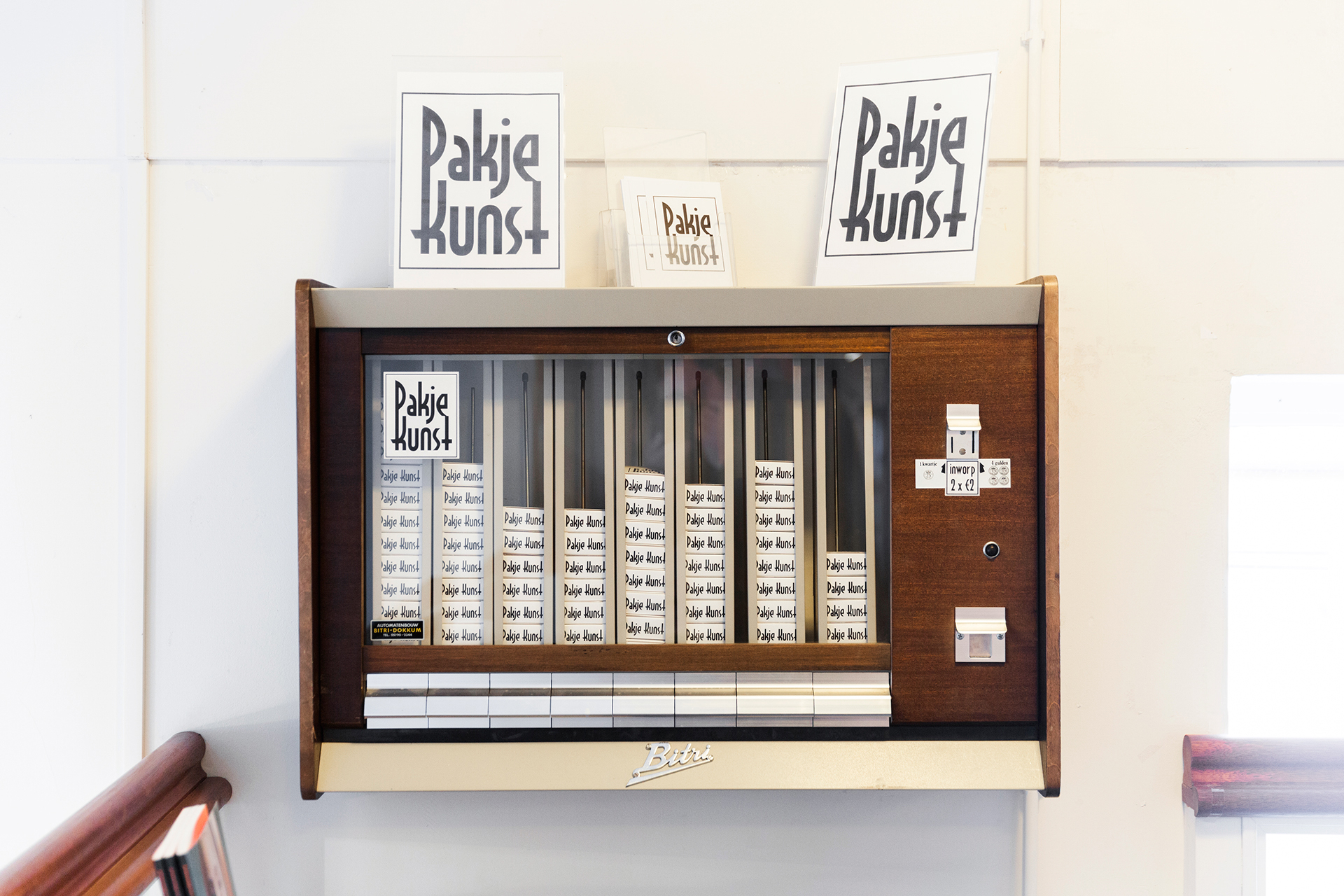 Pakje Kunst Automat @  Praamstra Boekhandel
