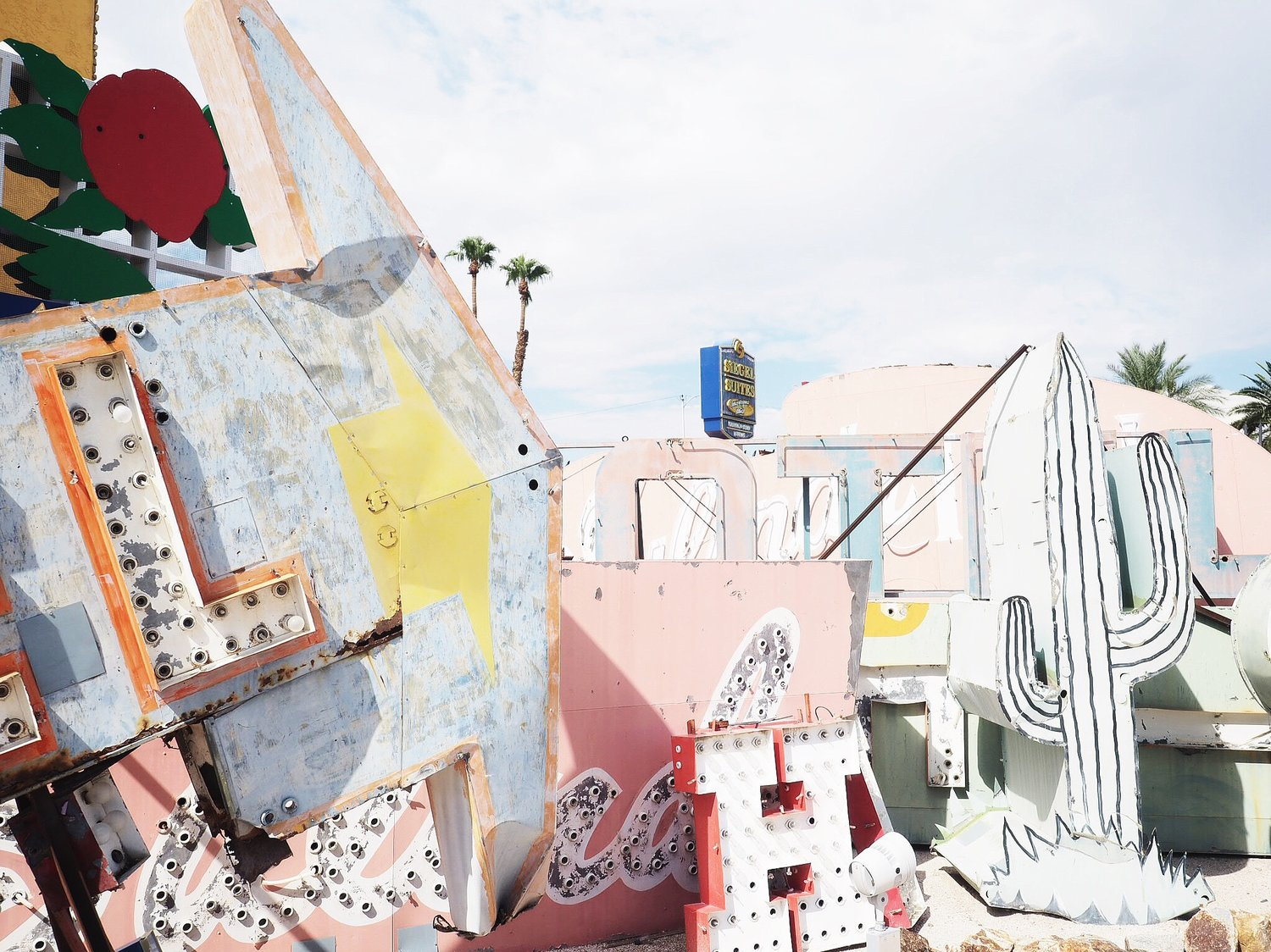 PHOTO DIARY: NEON BONEYARD OF LAS VEGAS -