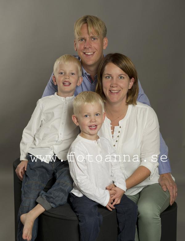 familjeporträtt studio FotoAnna Trosa