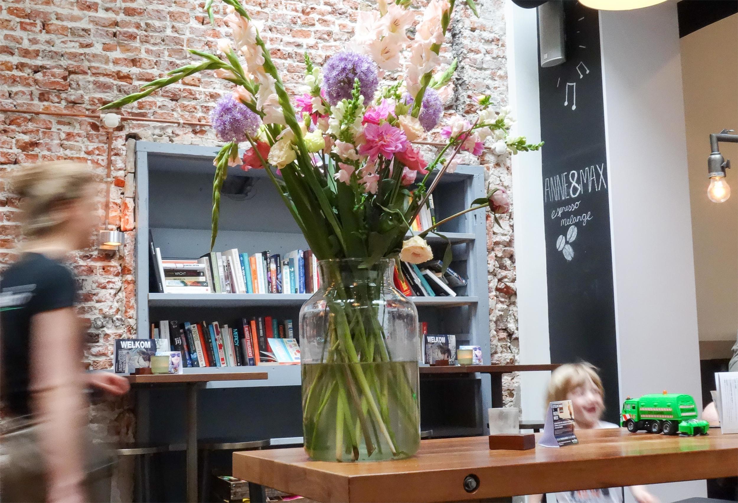 20150621_JudysBooksandBakery_Haarlem7.jpg