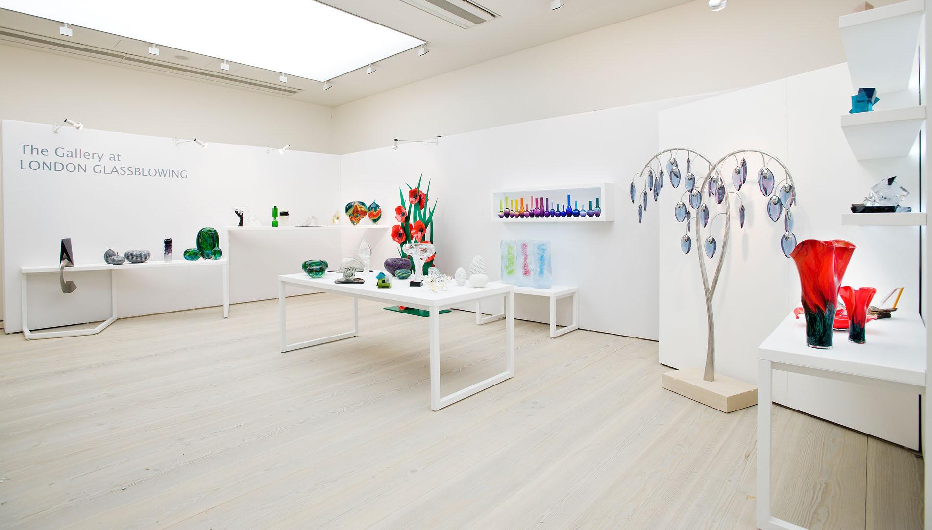 Minimalist Glassware Exhibition