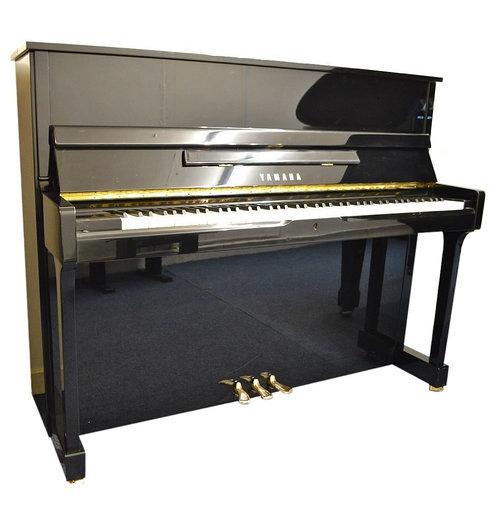 Yamaha SU118 Upright Piano