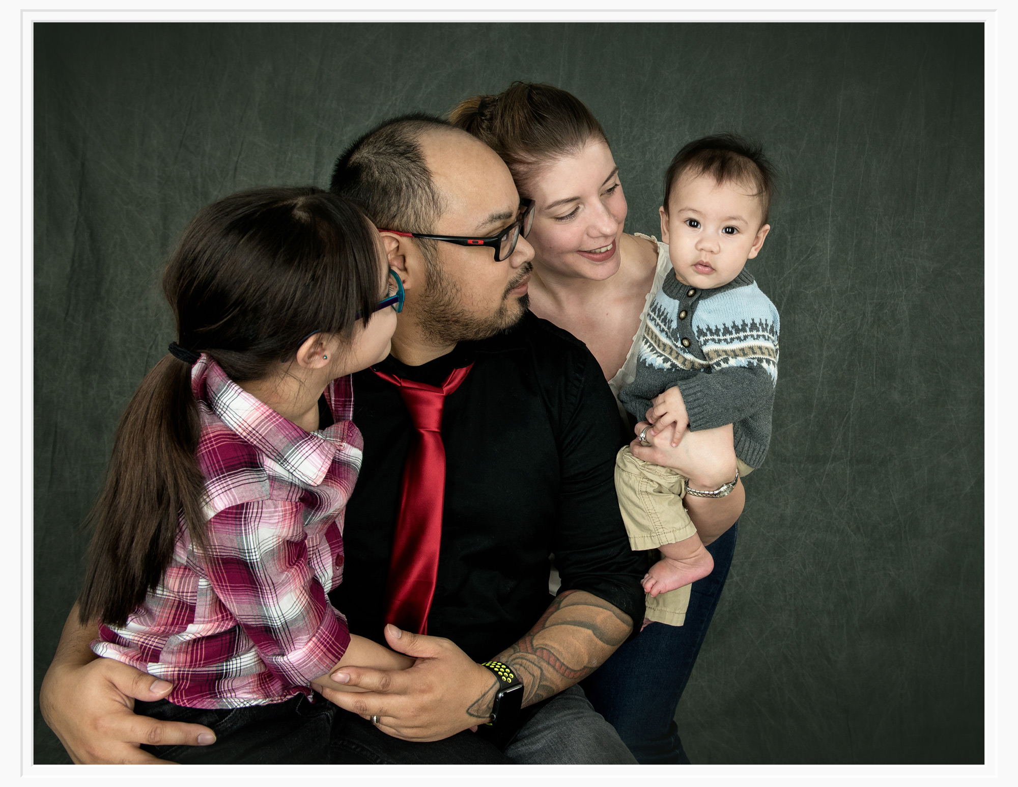 regina-family-photographer-free-lense-photo.jpg