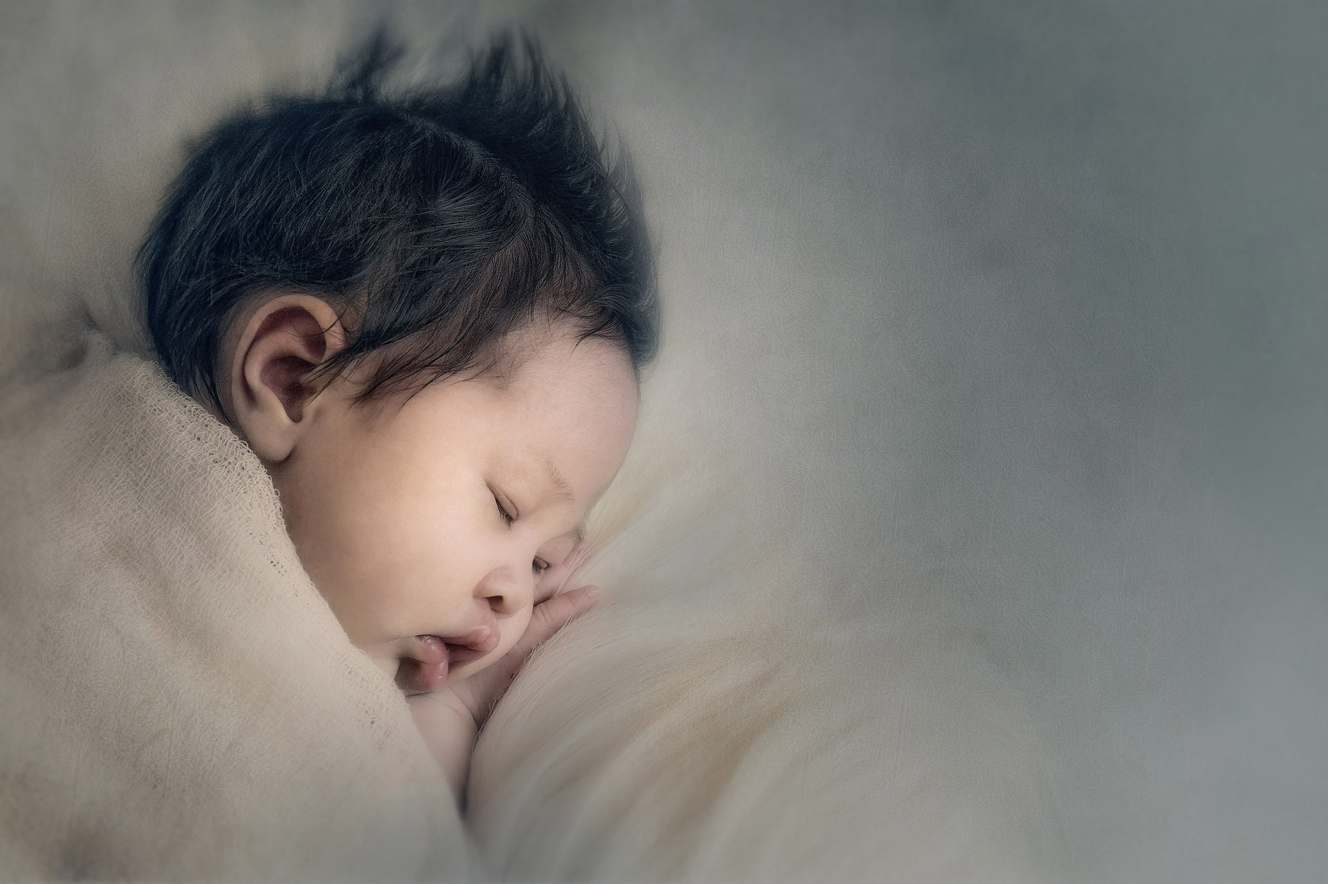 regina-newborn-photographers-free-lense-photo-008.jpg