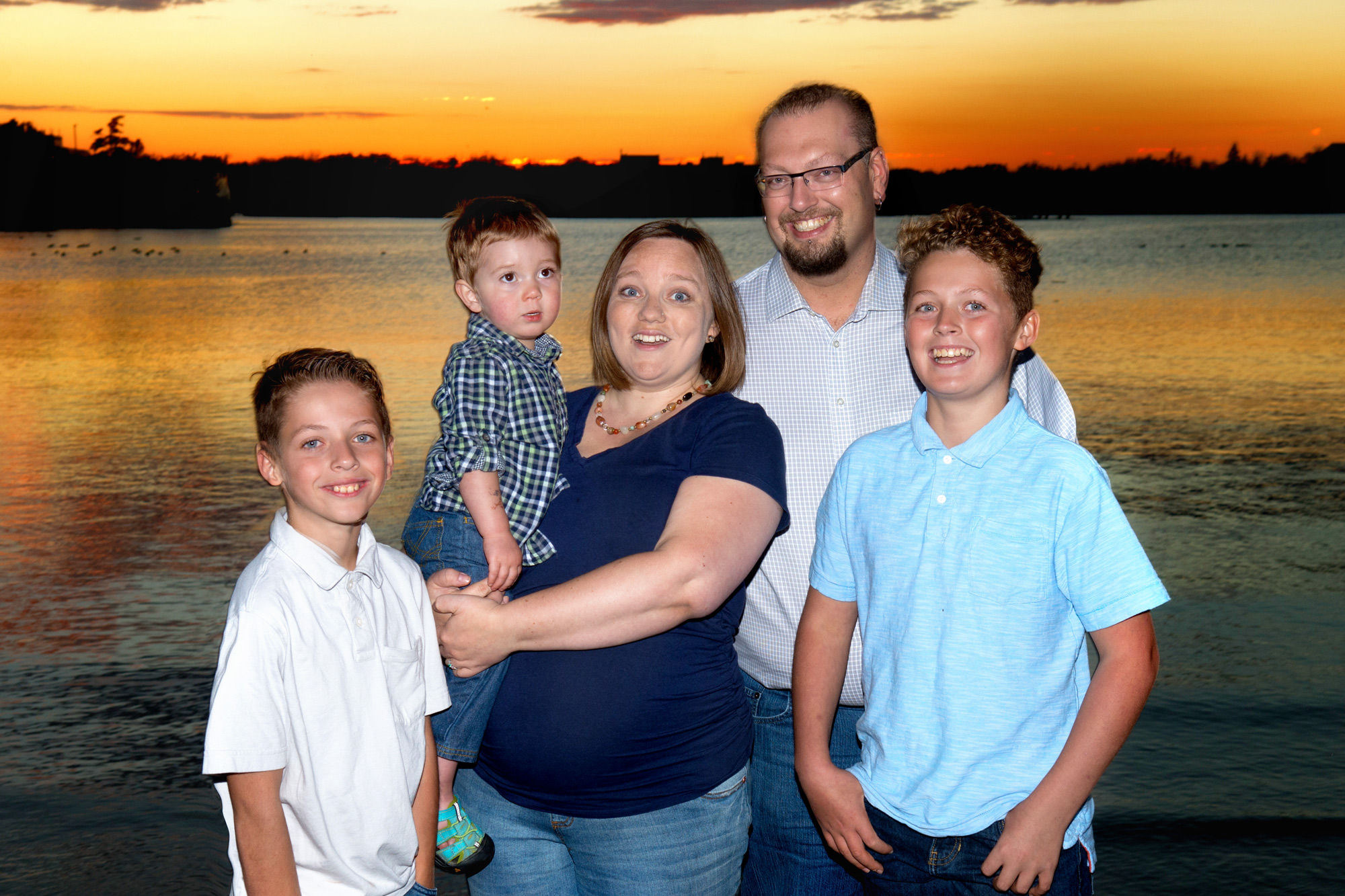 regina-sunset-family-photos-free-lense-photo.jpg