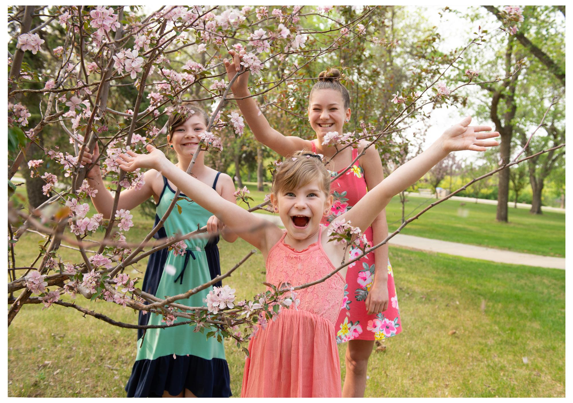 adorable-trio-free-lense-photo.jpg