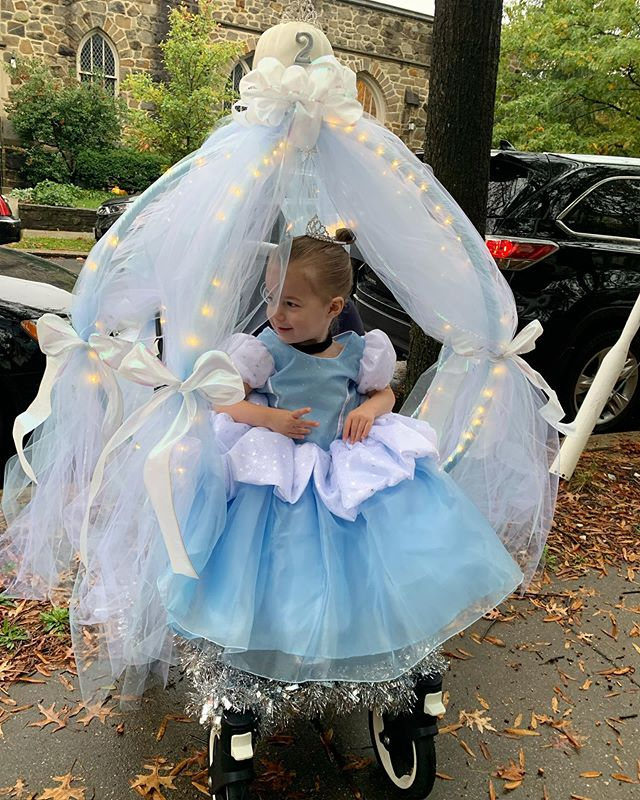 Bibbidi Bobbidi Boo, she's 2! Happy Birthday Sweet Girl💙 #suttonbutton #halloween #cinderella #happybirthday #shestwo!