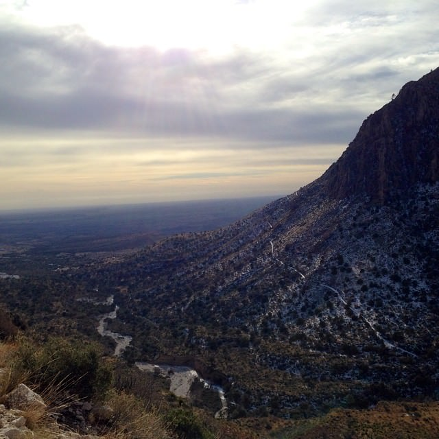 Morning view descending the Tejas trail