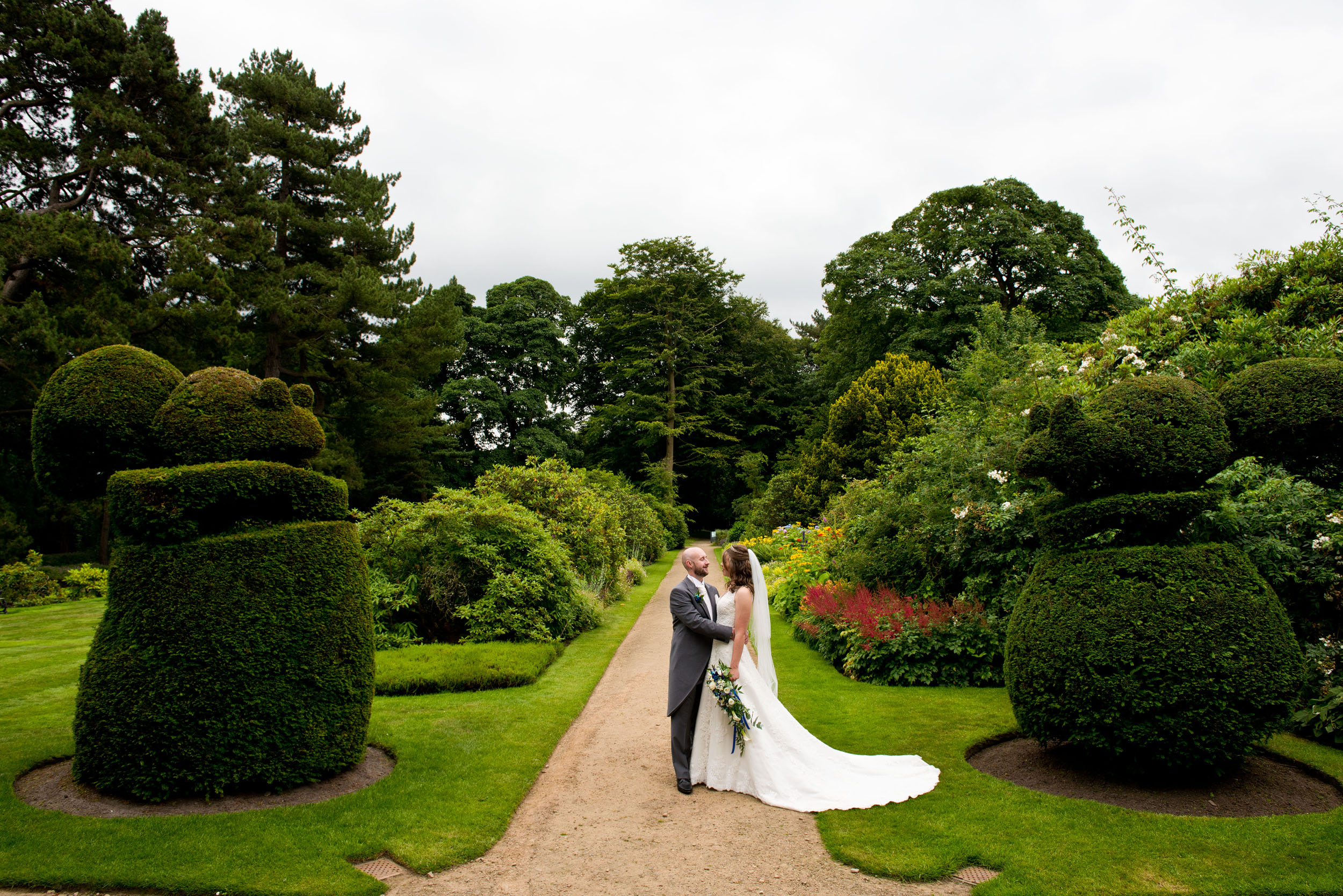 This couples favourite animal is a the red squirrel, so these topiary squirrels were perfect