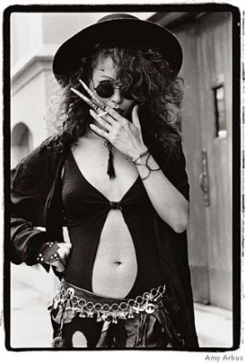 Fingernail Extensions. 23rd Street and Eighth Avenue. 1988. Amy Arbus.