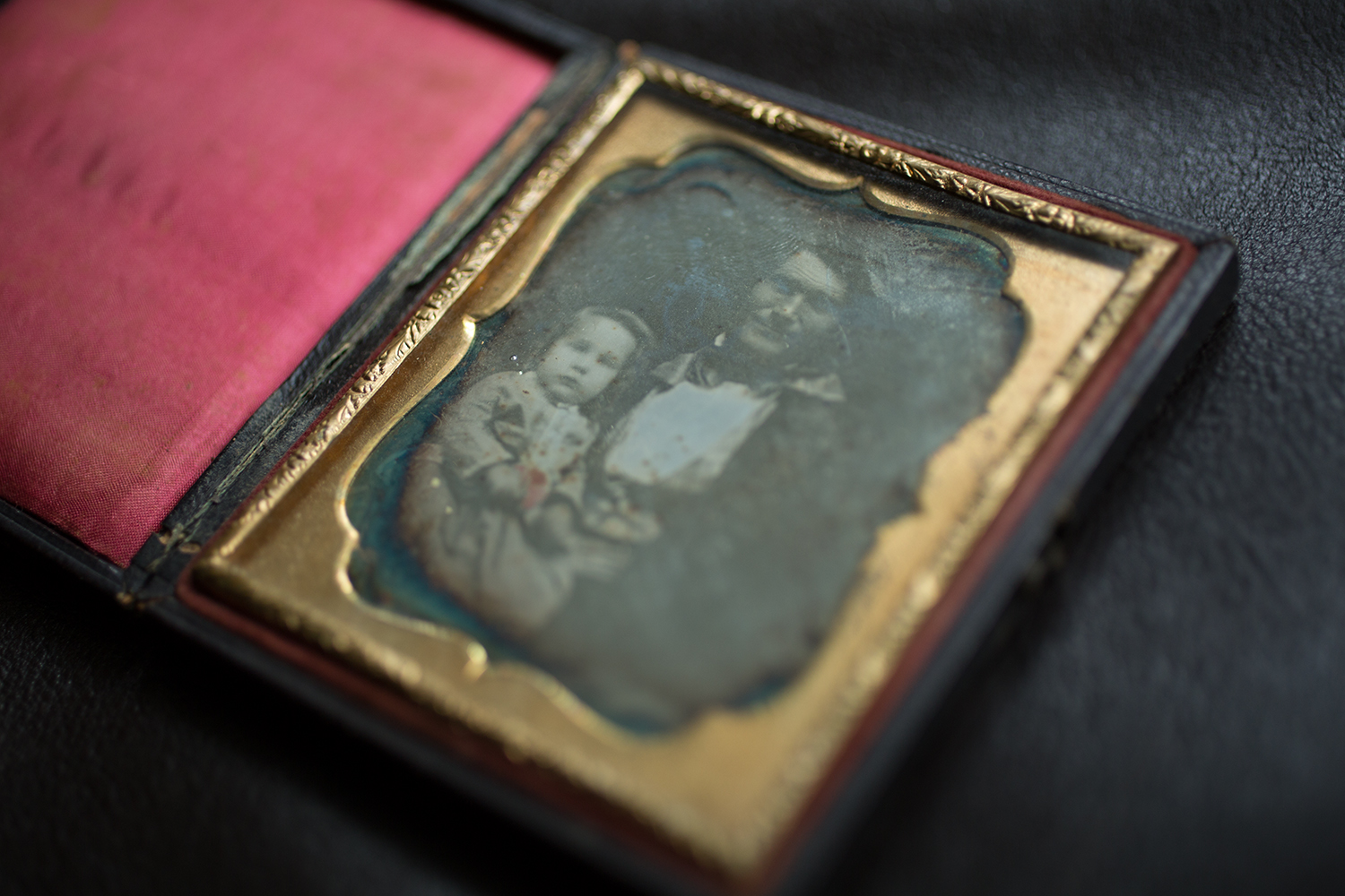 19th-century daguerreotype from Amy Brost's study collection of photographs , courtesy of Amy Brost