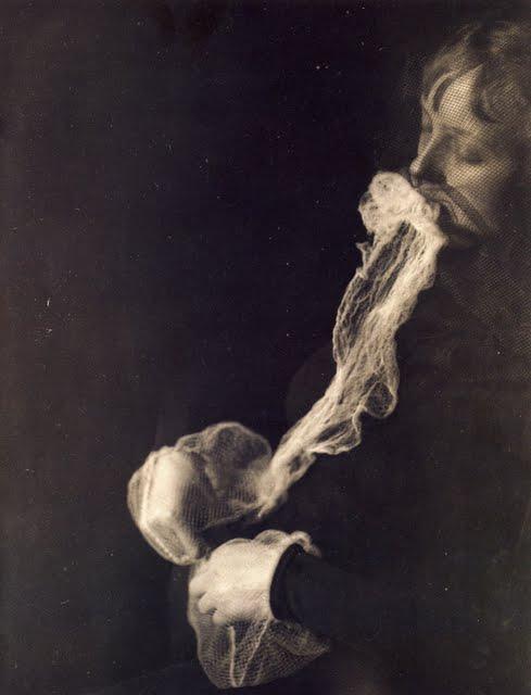 Spirit photograph by Albert von Schrenck-Notzing, 1913