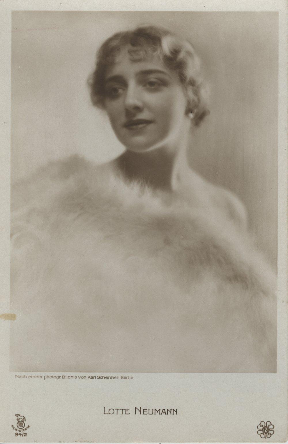 Karl Schenker,  Lotte Neumann , around 1920 (celebrity postcard), Museum Ludwig
